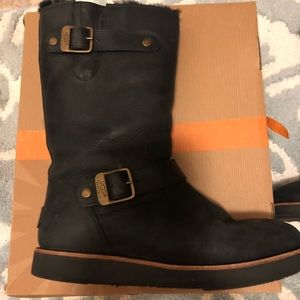 Ugg Sutter Black boot with buckles 8
